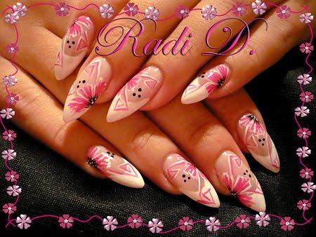 EDGE с розови цветя