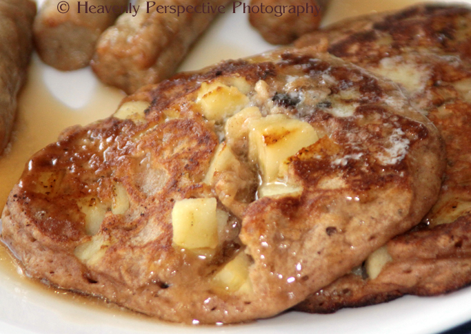 Life's Little Pleasures: Cinnamon Apple Walnut Pancakes