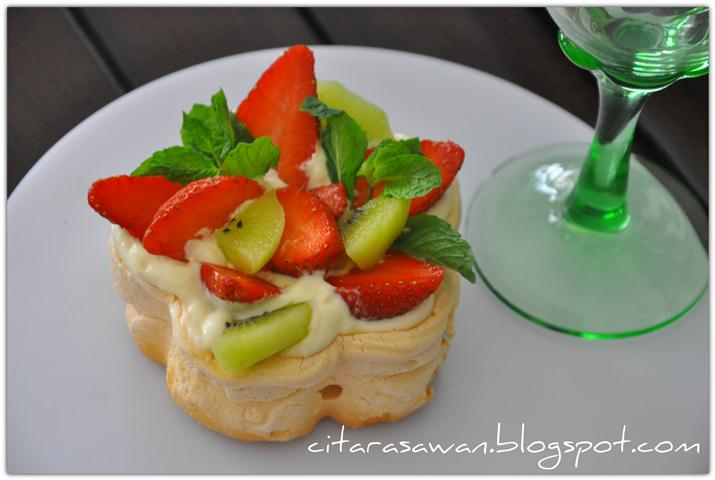Strawberry and Kiwi Pavlova