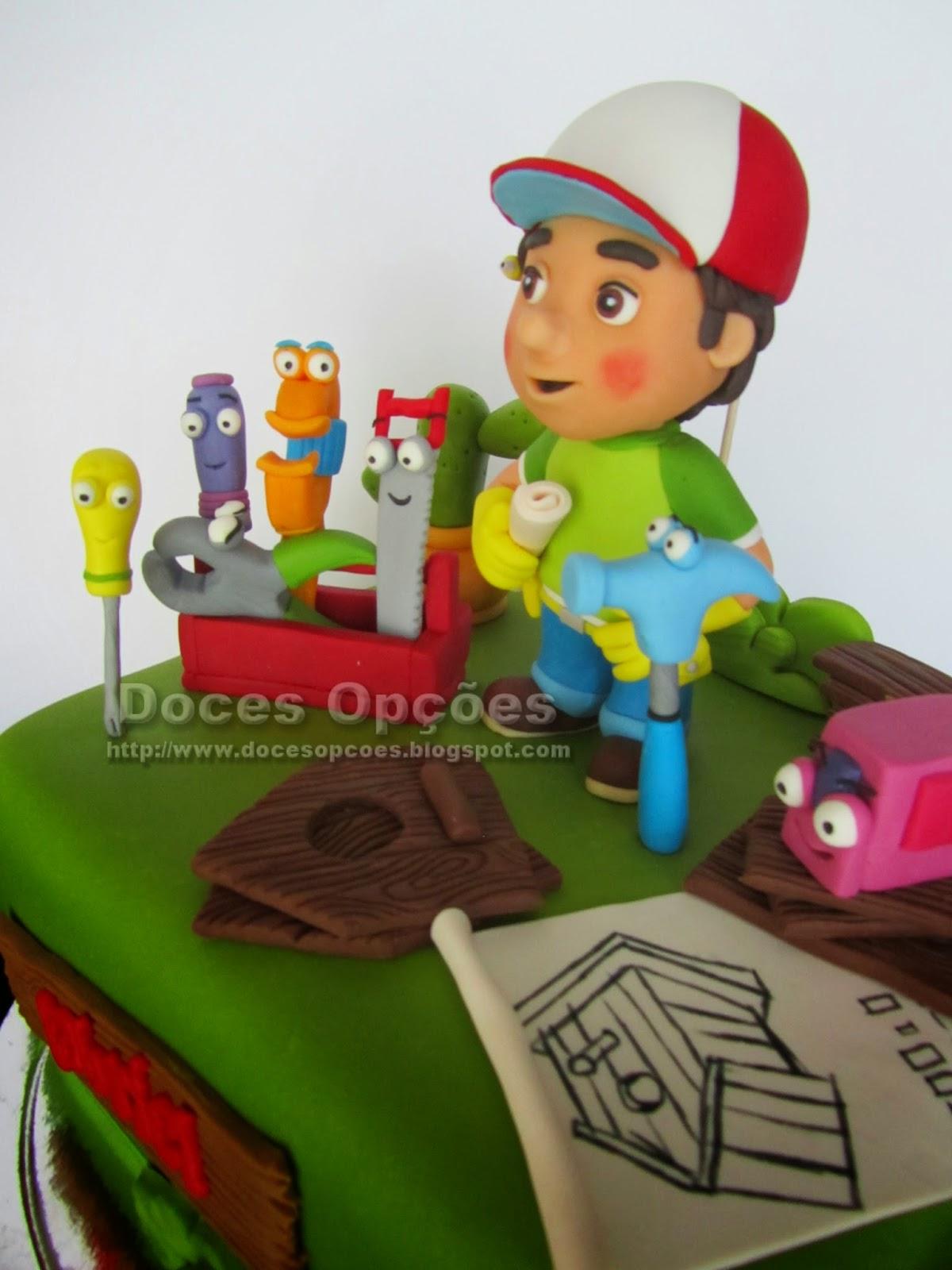 bolo aniversário Manny Mãozinhas disney junior