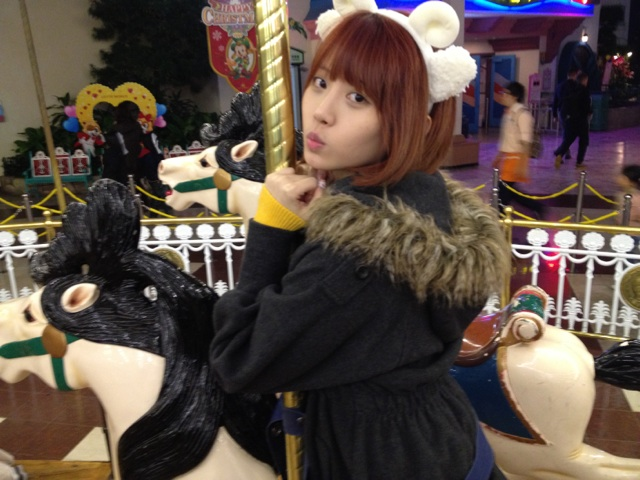 Yura Girls Day Mery Go Round 02