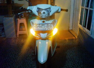 Berikut Cara Membuat Lampu Hazard (Lampu Sein Nyala Semua) Di Motor