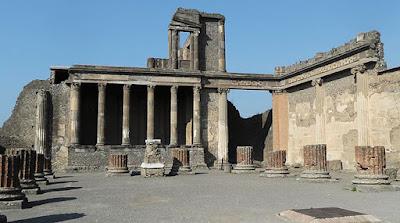 Η Βασιλική στην Πομπηία ανοίγει εκ νέου για τους επισκέπτες