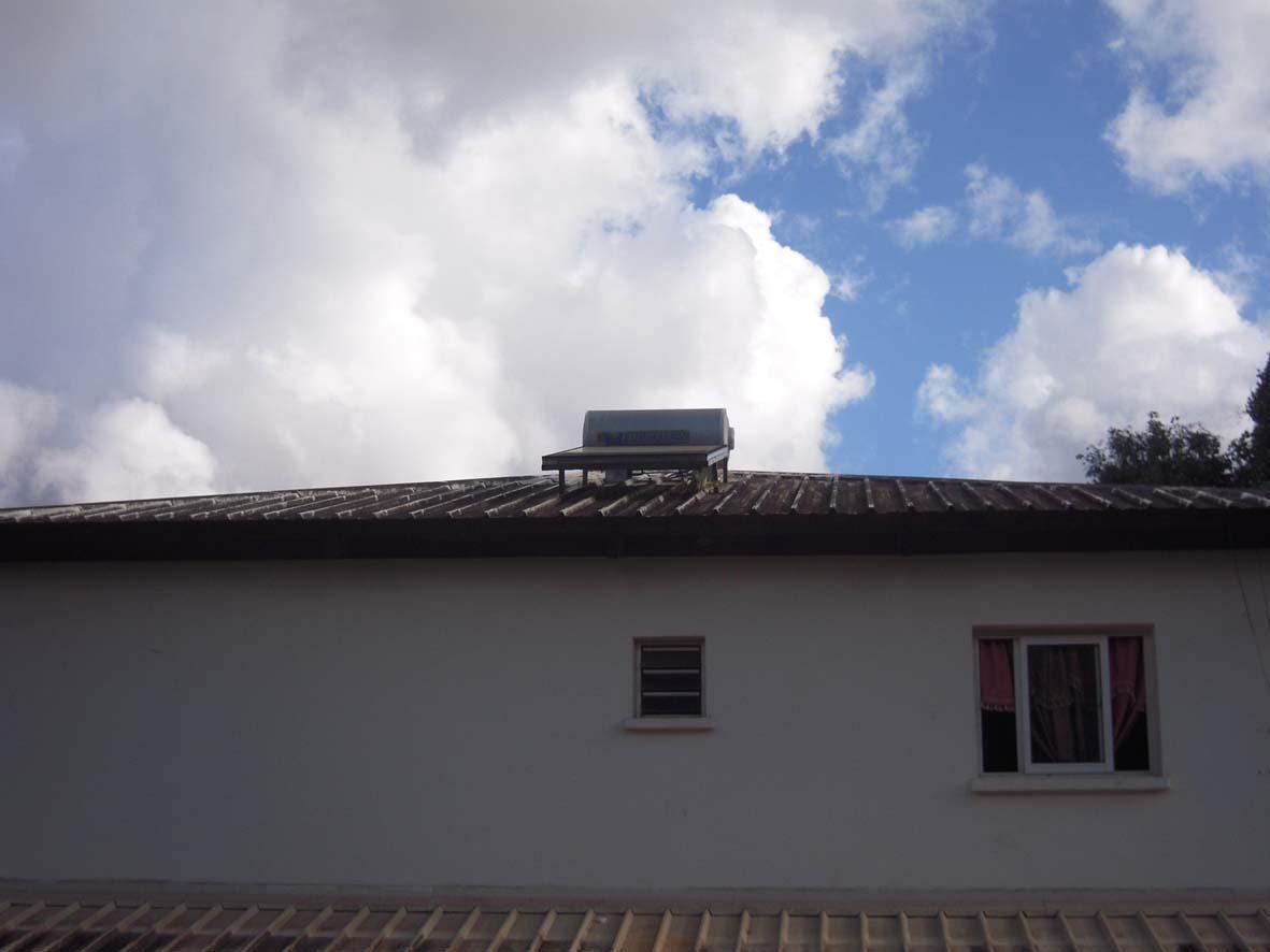 Mayotte l 39 le aux parfums aux tortues au lagon le solaire for Chauffe eau solaire maison