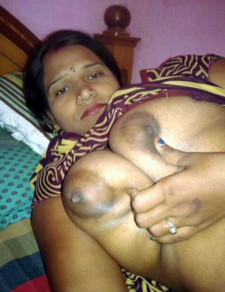 Indian Desi Aunty And Bhabhi Nude Photo: Sexy Bhabhi ...