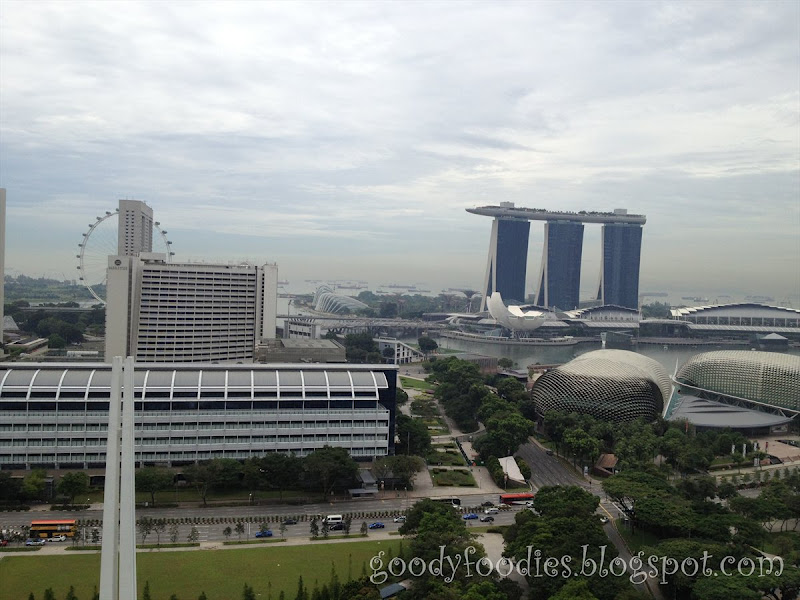 Goodyfoodies hotel review swissotel the stamford singapore for Tallest hotel in singapore