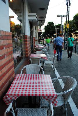 уличное кафе 2