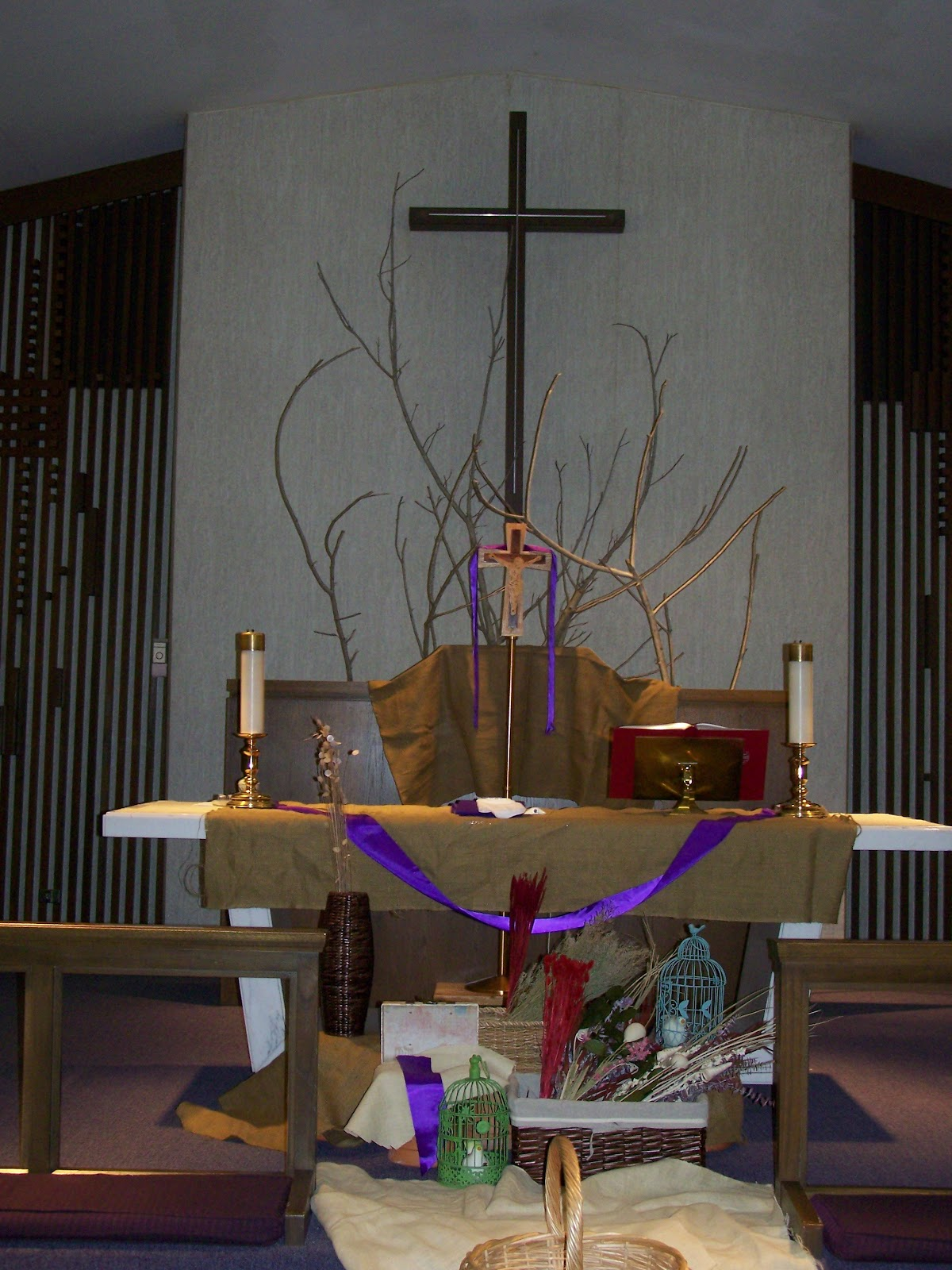 Lenten decorations for catholic church autos post for Lent decorations for home