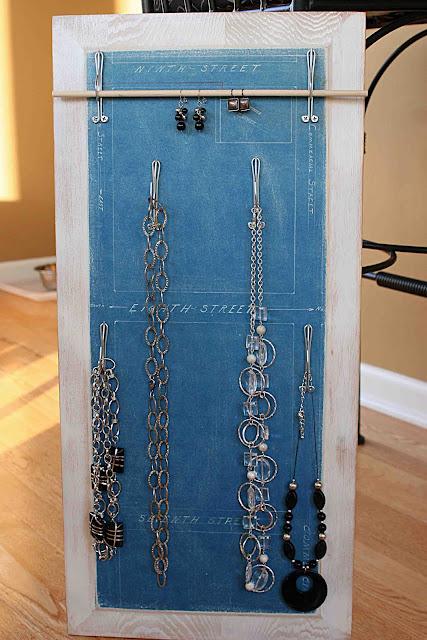 Boiserie c 18 idee per riciclare creativamente vecchi oggetti - Costruire un portagioie ...