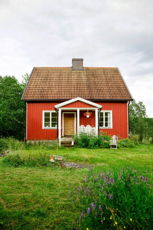 Small summer cottage in sweden 79 ideas for Photos of cute houses