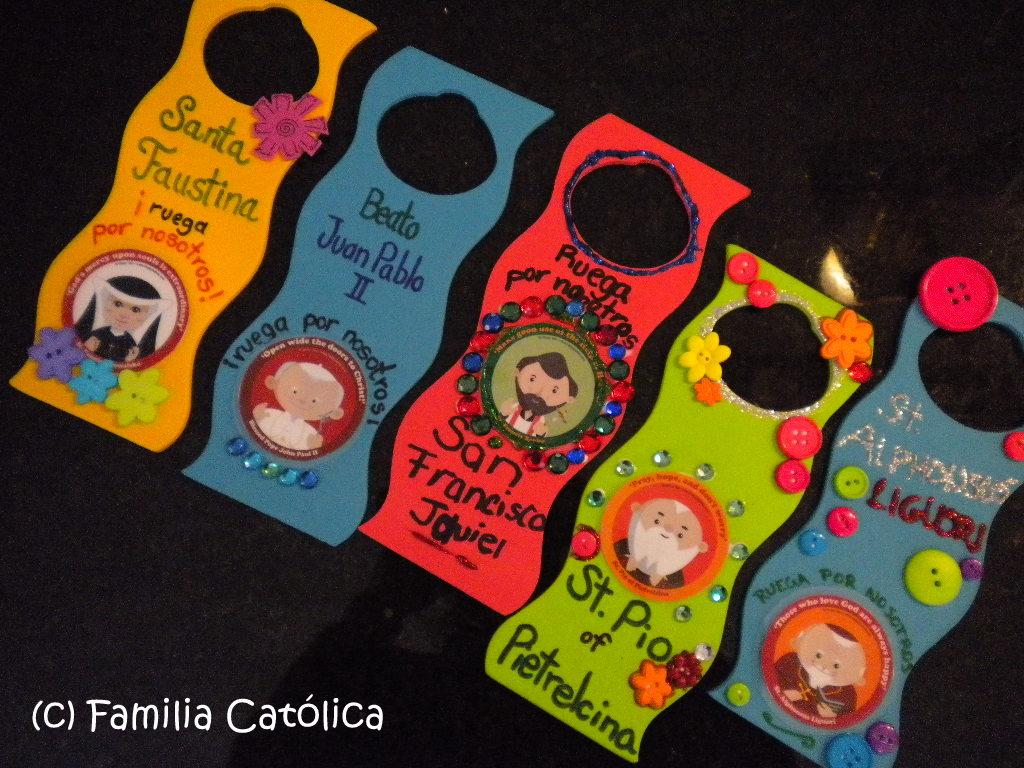 Familia cat lica colgadores para puerta decorados con for Colgadores para puertas