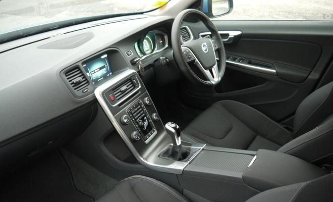 Volvo V60 D4 front interior