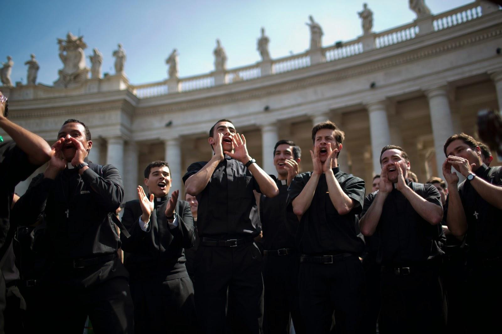 Resultado de imagen de legionarios de cristo en roma