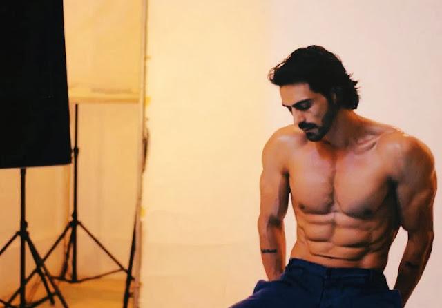 Shirtless Bollywood Men: Arjun Rampal Arjun Rampal Body