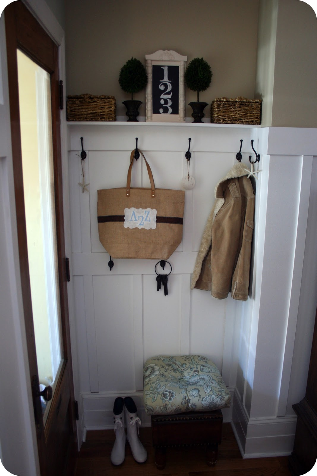Tiny House Foyer : Mudroom reveal and bonus how to drill