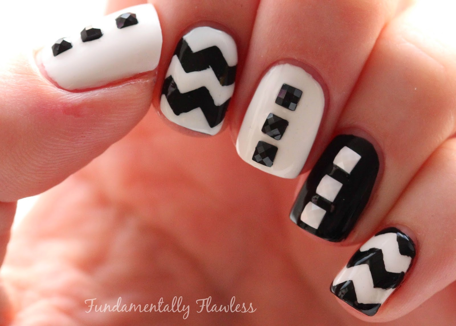 Fundamentally flawless born pretty store mini black and white born pretty store mini black and white nail art studs review prinsesfo Images