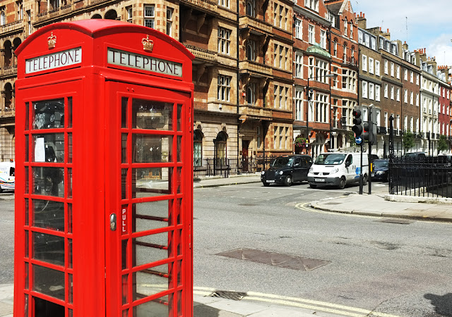 London red telephone box Cavendish Square - Photogrpah by Tim Irving