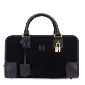 Grace Intemporelle by Natalia: How the Loewe Amazona bag is made