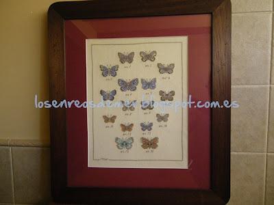 Cuadro con motivos de mariposas realizado a punto de cruz