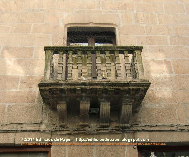 Balcones del Liceo de Orense