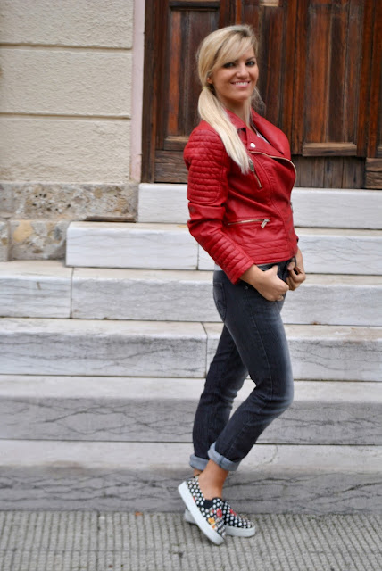 outfit giacca di pelle outfit chiodo in eco pelle come abbinare la giacca di pelle abbinamenti chiodo di pelle outfit ottobre 2015 outfit casual con giacca di pelle giacca di pelle modello biker chiodo in epocale rosso mariafelicia magno fashion blogger colorblock by felym fashion blog italiani fashion blogger italiane blogger italiane influencer italiane red biker jacket red leather biker jacket fashion bloggers italy
