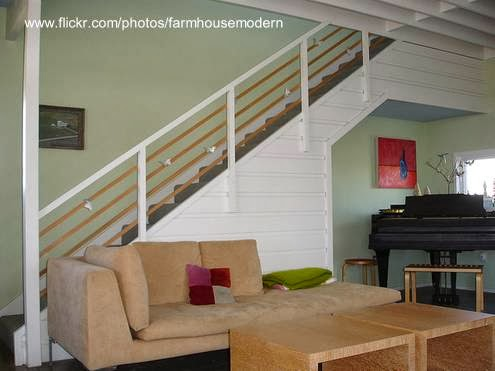 Arquitectura de casas casa de granjero con cubiertas de for Casas con escaleras por dentro