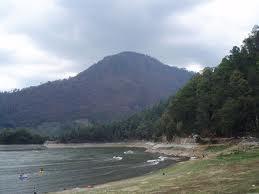 Gunung Lawu, perbatasan Jawa Tengah & Jawa Timur
