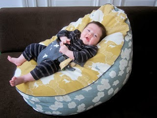 http://www.straight-grain.com/2013/11/free-pattern-and-tutorial-baby-and.html