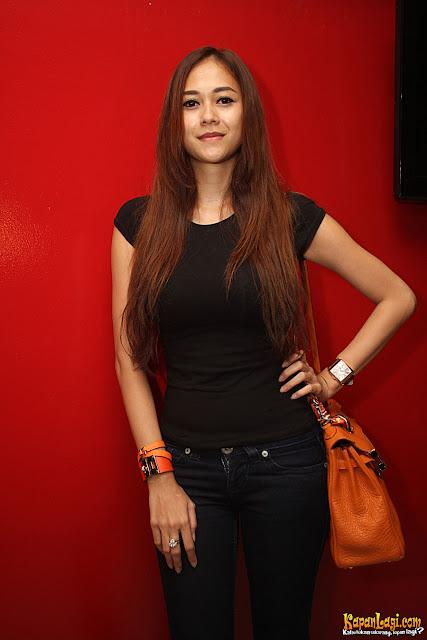 Foto artis Hot Aura Kasih Terbaru
