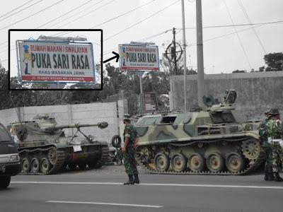 Kalau Perut Sudah Lapar, Tentara Mampir Makan Naik Tank ! [pic] [ www.BlogApaAja.com ]