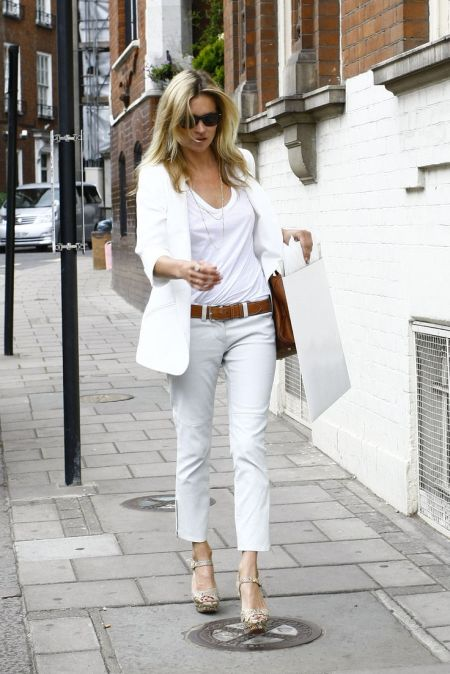 Kate Moss stylish street style with white on white outfit