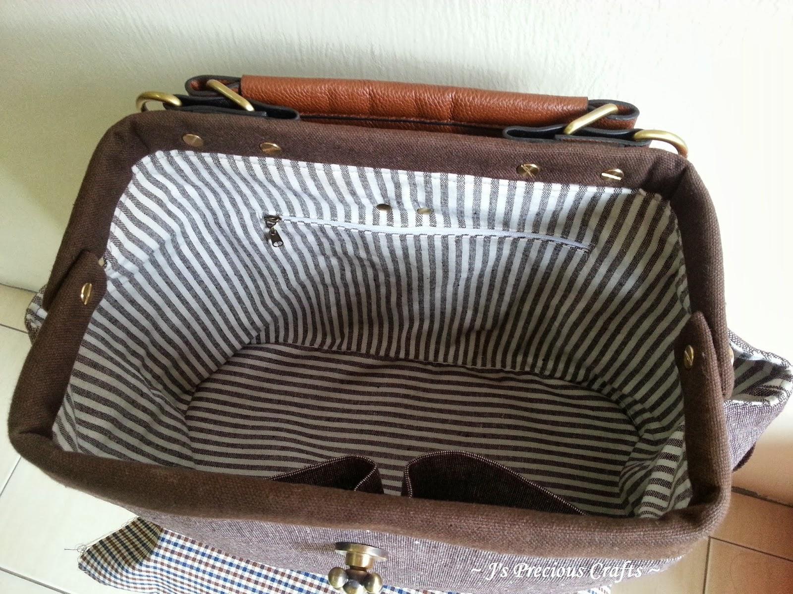 j\'s precious crafts: 医生口金包Doctor Frame Bag