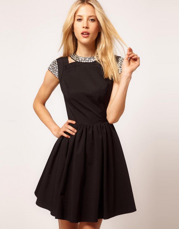 mode fashion et tendance la robe patineuse. Black Bedroom Furniture Sets. Home Design Ideas