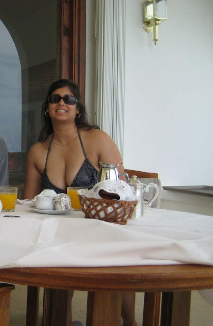 Desi Babes in Bikini indianudesi.com