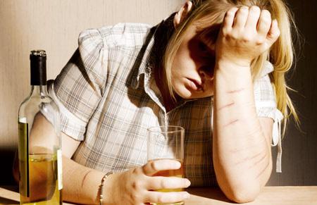 «Βυθισμένοι» στο αλκοόλ...