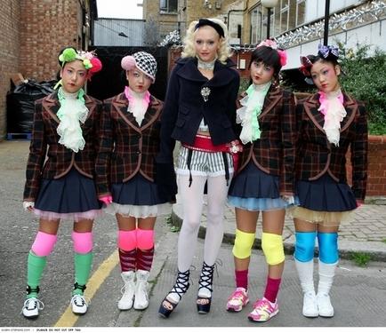 Gwen+Stefani+Harajuku+Girls.jpg