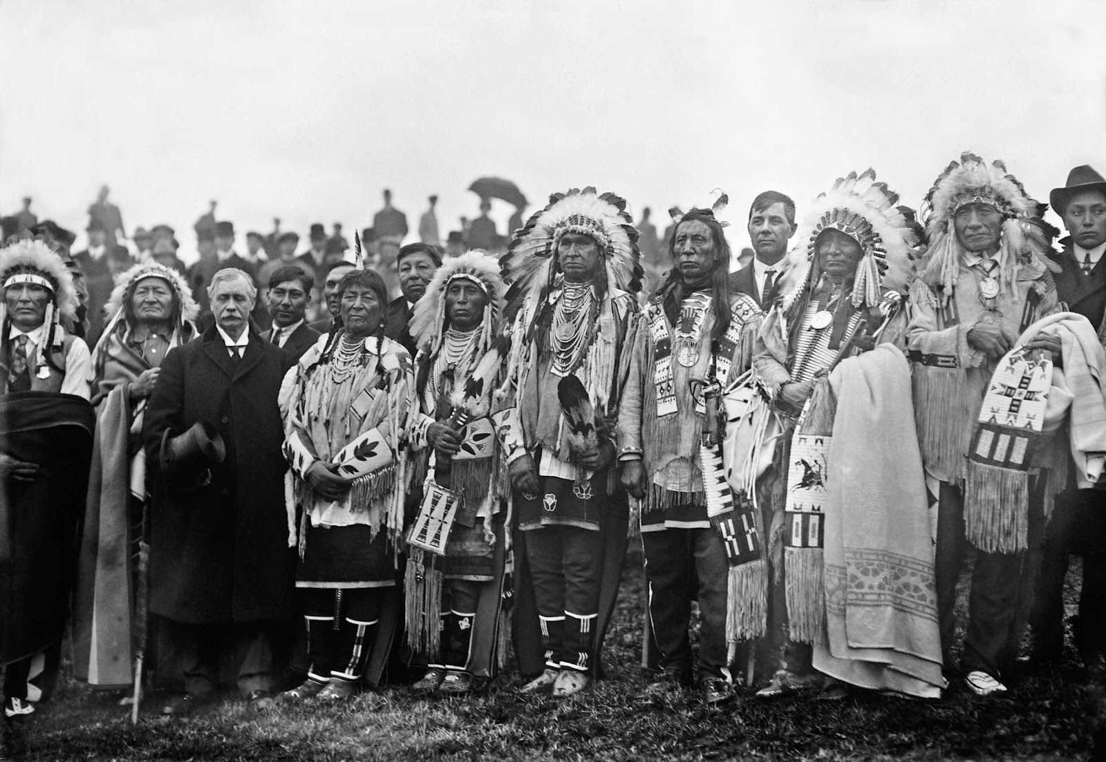 Native+American+chiefs+with+Rodman+Wanamaker+at+the+groundbreaking+ceremony+for+the+National+American+Indian+Memorial+%2528which+was+never+built%2529%252C+Fort+Wadsworth%252C+Staten+Island%252C+New+York.jpg