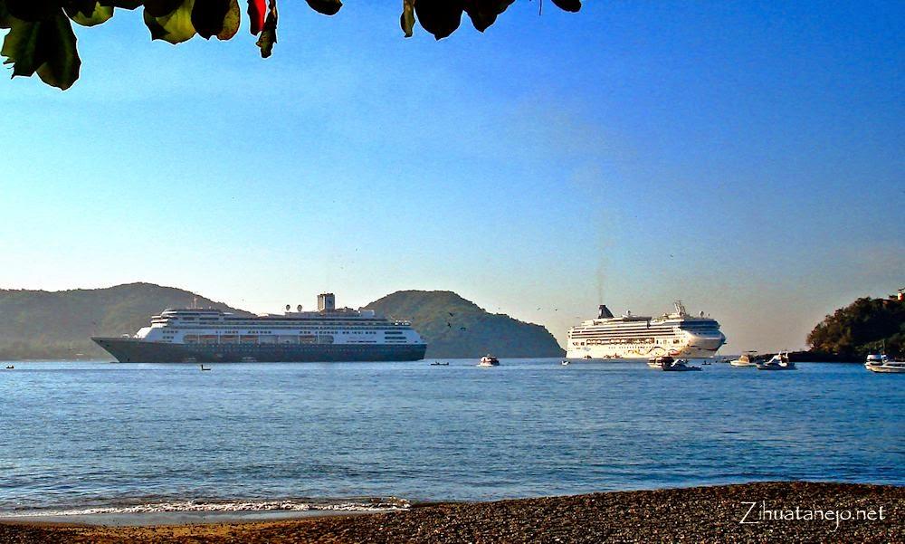 Cruceros en Bahía de Zihuatanejo