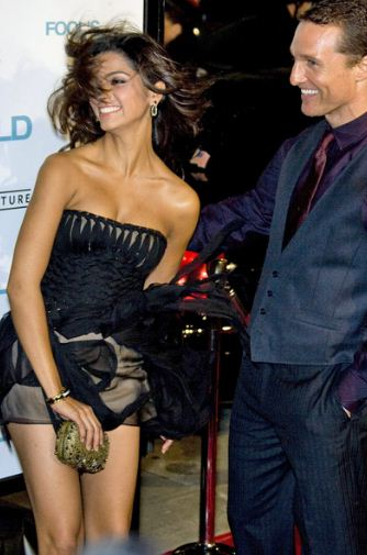 Top 44 Funny Pictures Of Celebrity Wardrobe Malfunctions ...