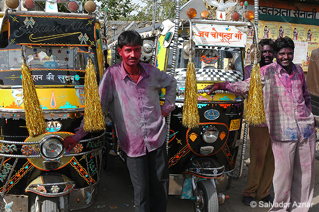 http://www.diariosdeunfotografodeviajes.com/2009/07/holi-festival-india.html