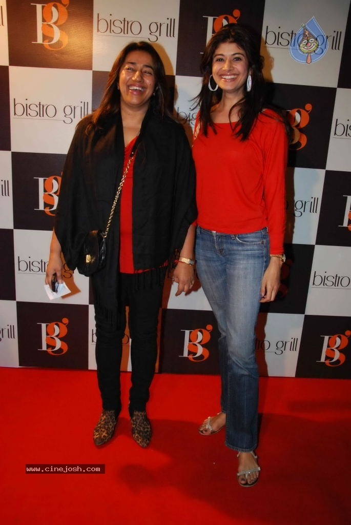 , Tulip Joshi ,pooja Batra At Kiran Bawa Lohri Party