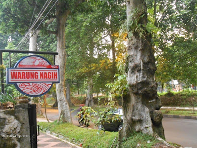 Nongkrong Asyik Di Warung Nagih