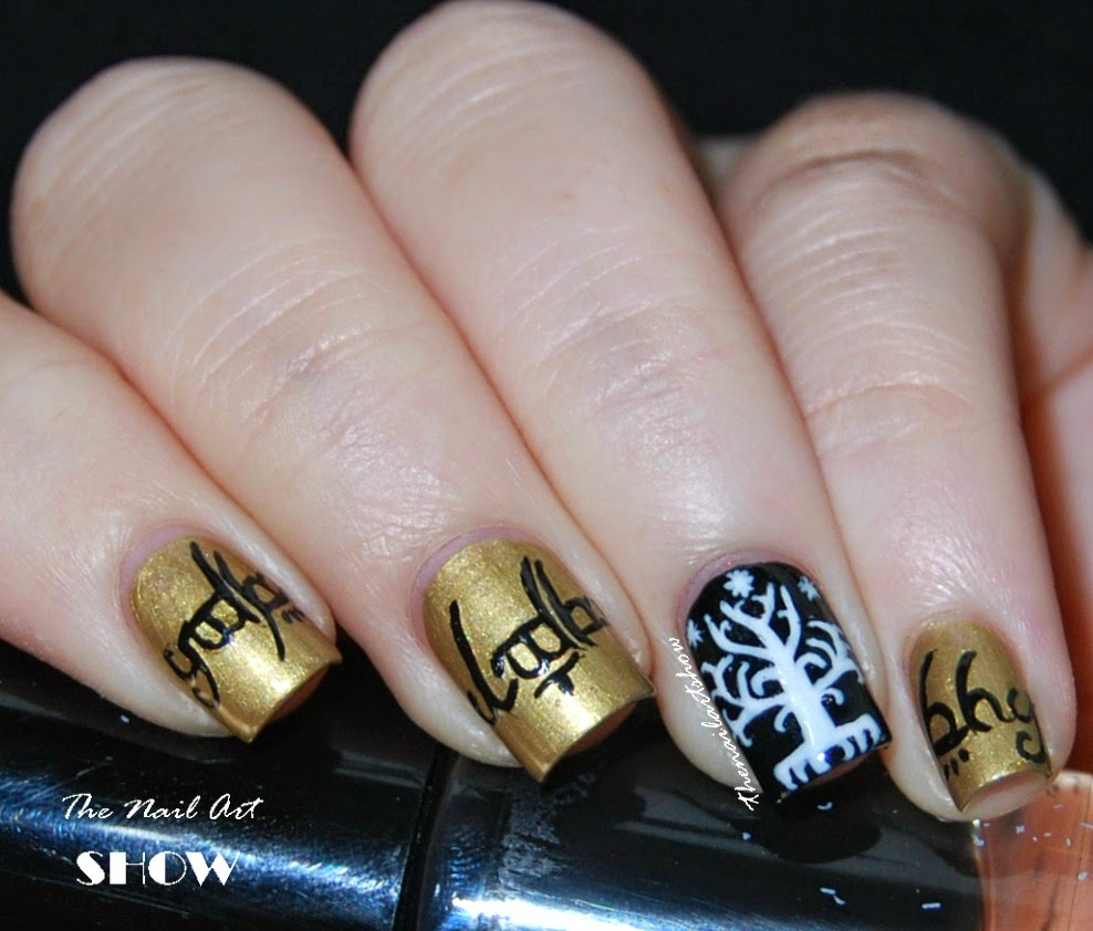 The Nail Art Show: Nail-Art-A-Go-Go Challenge - Day 9: Inner Geek