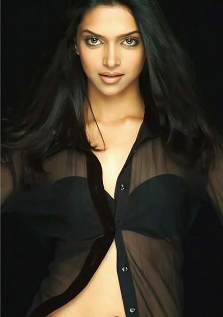 Deepika Padukone Hot Photo Collections