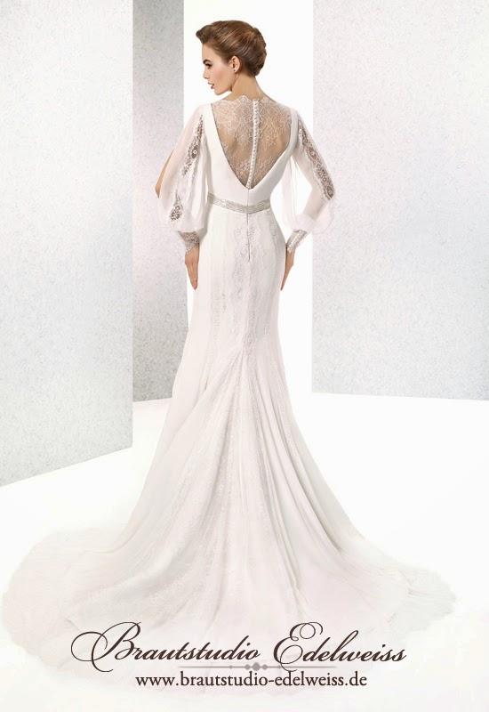 Fliessendes Chiffon Brautkleid mit Ärmel und Spitze. Leichte Brautkleider.