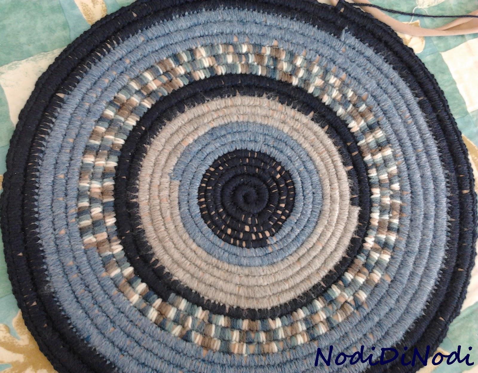 Tappeto fettuccia: all uncinetto tappeto a centrino e.