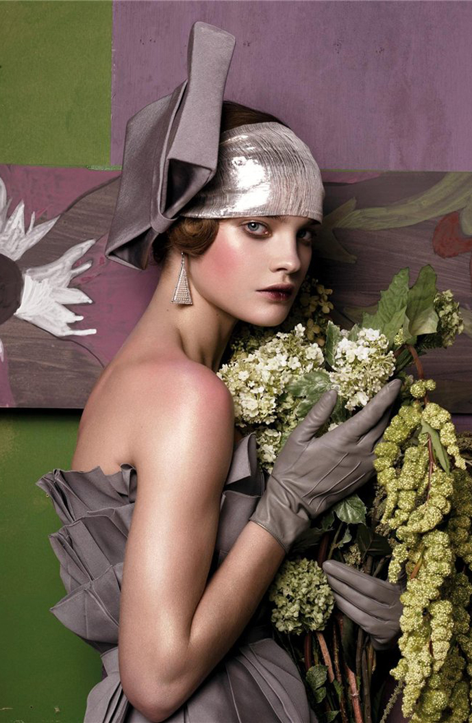 Natalia Vodianova in Fashioning the century / Vogue US May 2007 (photography: Steven Meisel, styling: Grace Coddington)