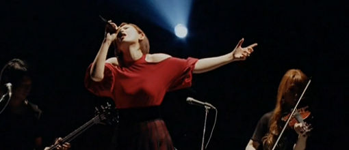 "Ayaka sings the shit out of ""Tsuyoku omou"" live 