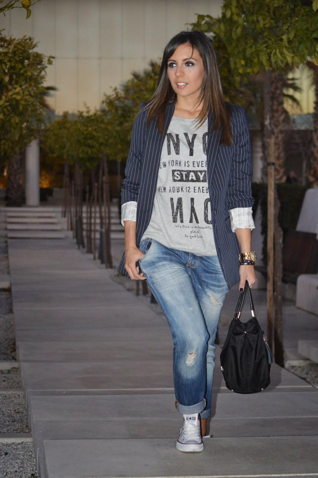 street style style ootd cristina style fashion blogger malagueña blogger malagueña outfit look chic casual tendencias moda mood inspirations purificacion garcia blazer converse zara mango