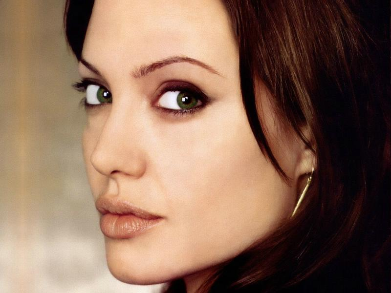 angelina jolie pictures. Angelina Jolie: Angelina Jolie